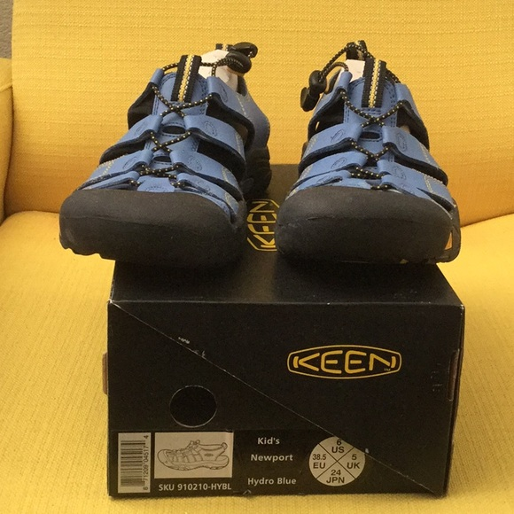 35fa0b94fc1e Keen Other - Keen kids Newport blue sports sandals size US 6